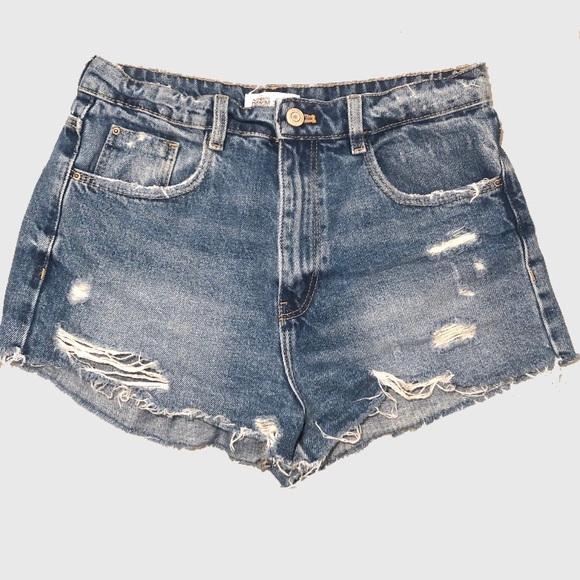 Zara Pants - ZARA High Waisted Distressed Shorts